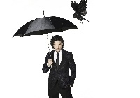 Aktor, Kit Harington, Parasol, Wrona