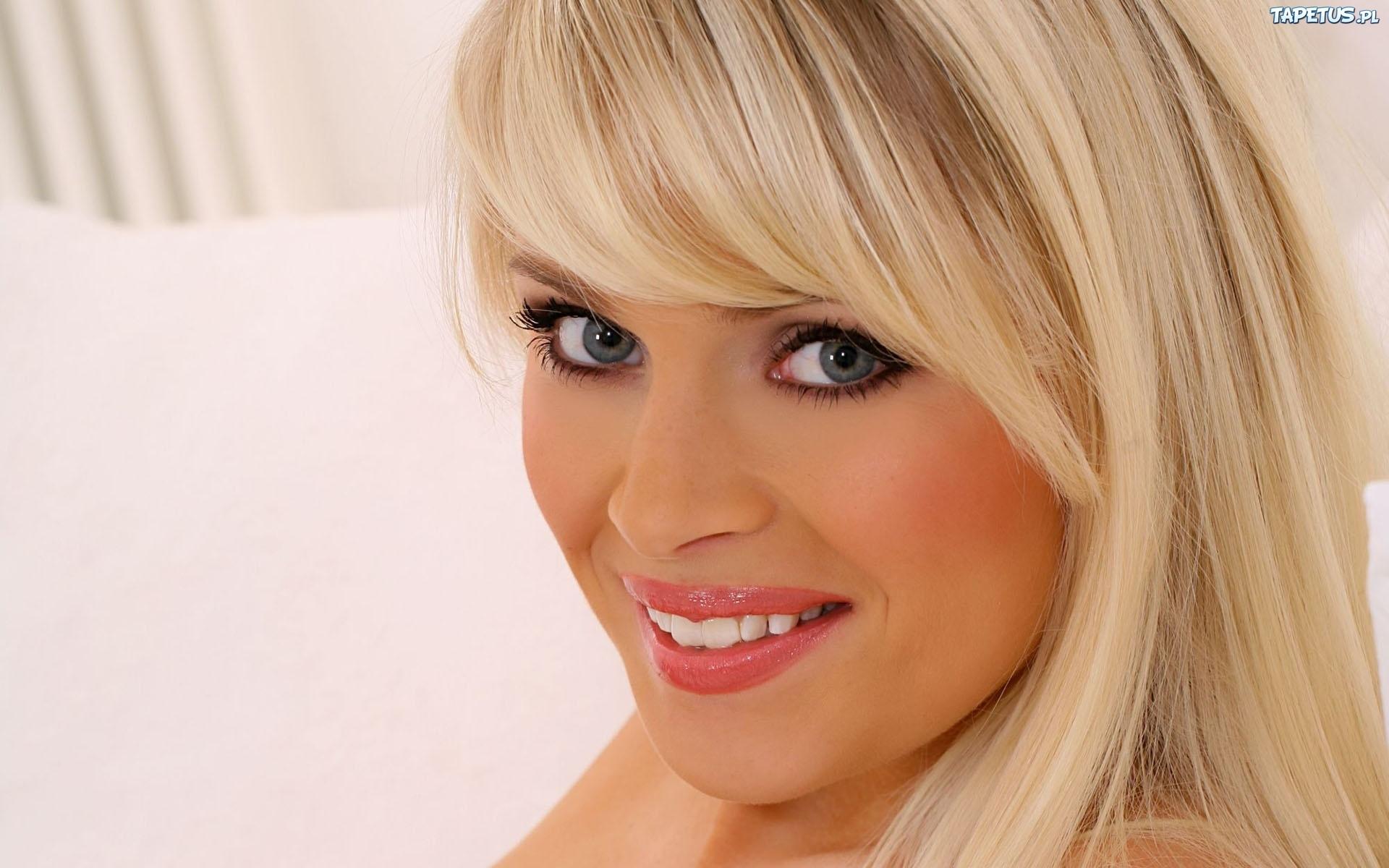 Danni Wells, Szeroki, Uśmiech, Blondynka: http://www.tapetus.pl/125329,danni-wells-szeroki-usmiech-blondynka.php