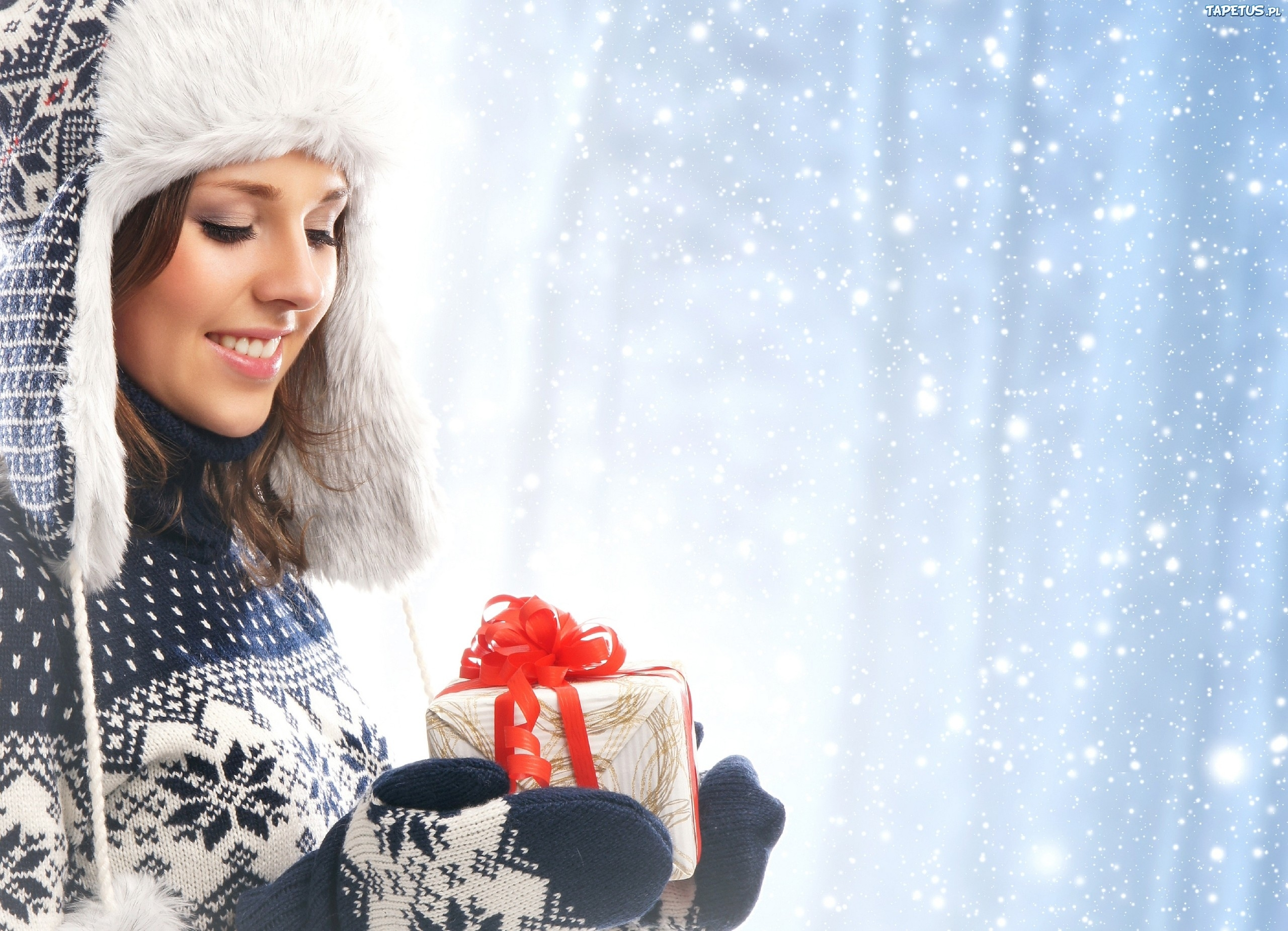 девушка брюнетка зима снег winter snow  № 2816760 загрузить