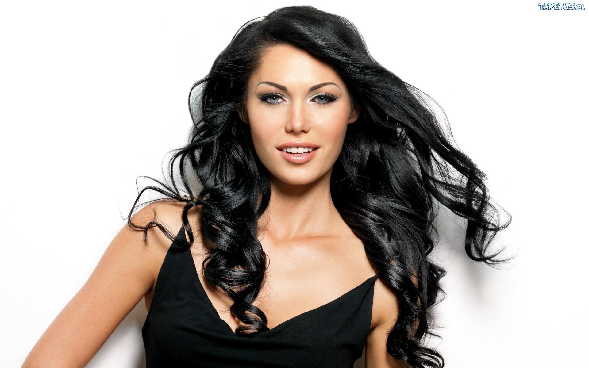 Красивые фото девушек с длинными чёрными волосами