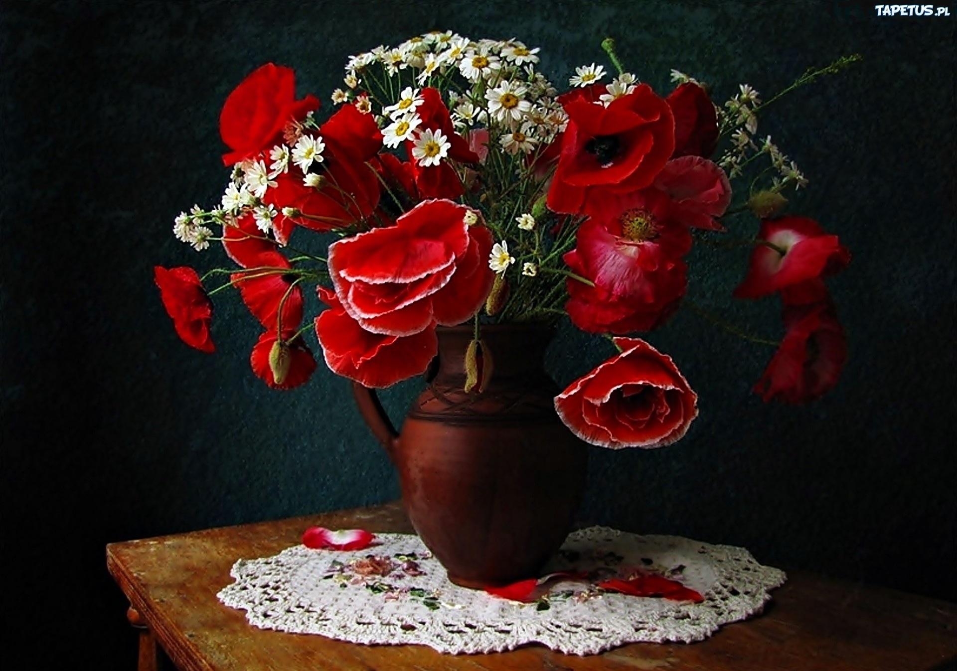 Натюрморт с букетом цветов фото