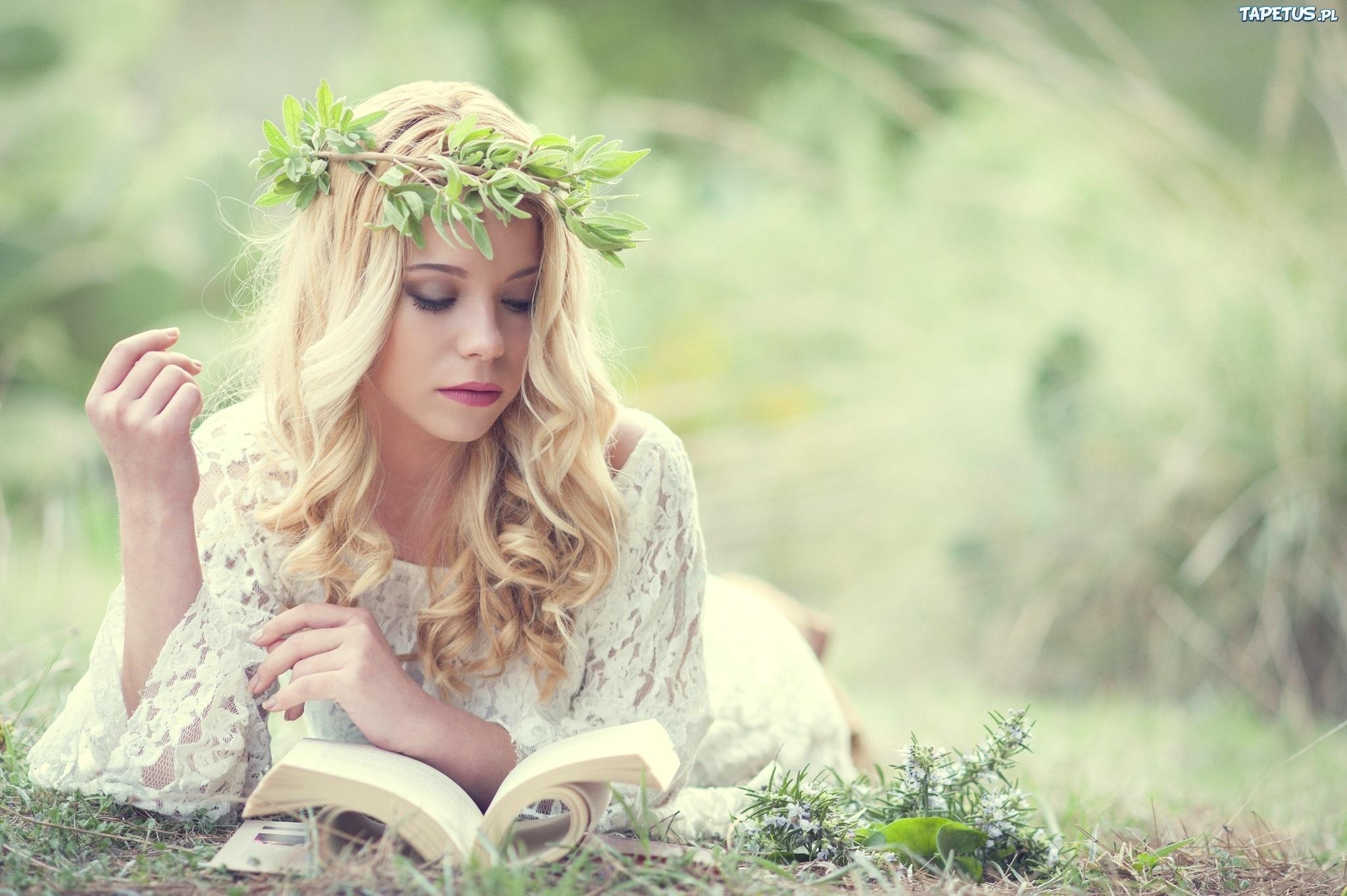 девушка блондинка книга girl blonde book  № 2710548  скачать