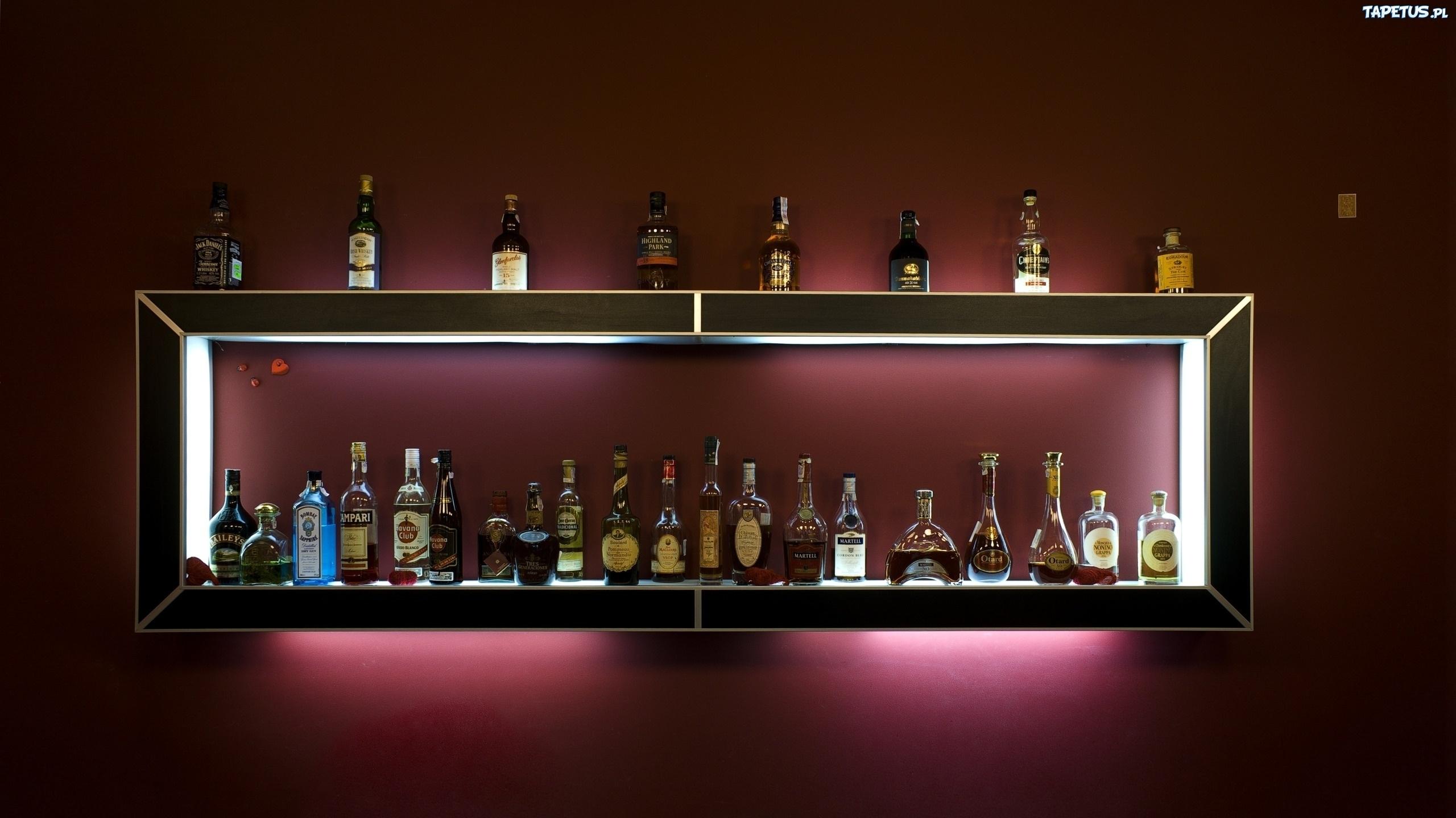 P ka alkohole for Arredare un bar con pochi soldi