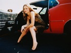 Julia Stiles, nogi, auto