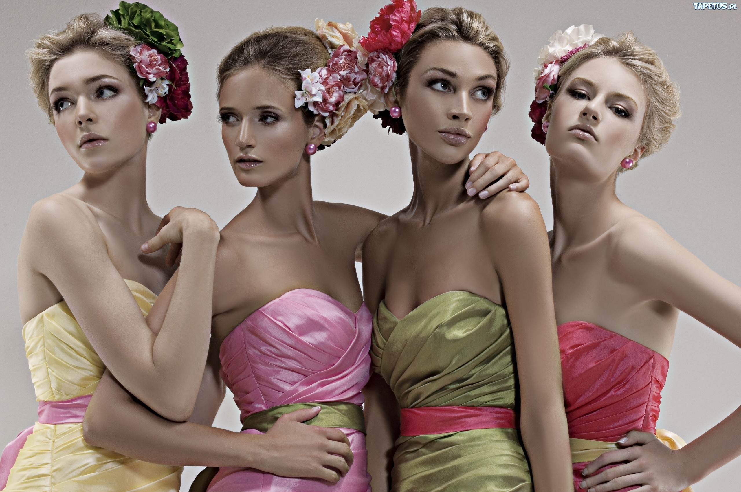 Kobiety Sukienki Fryzury