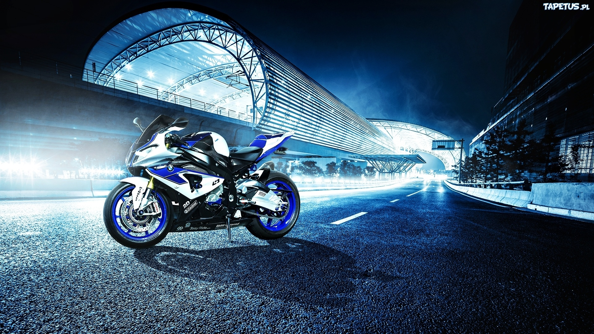 черный мотоцикл BMW бесплатно