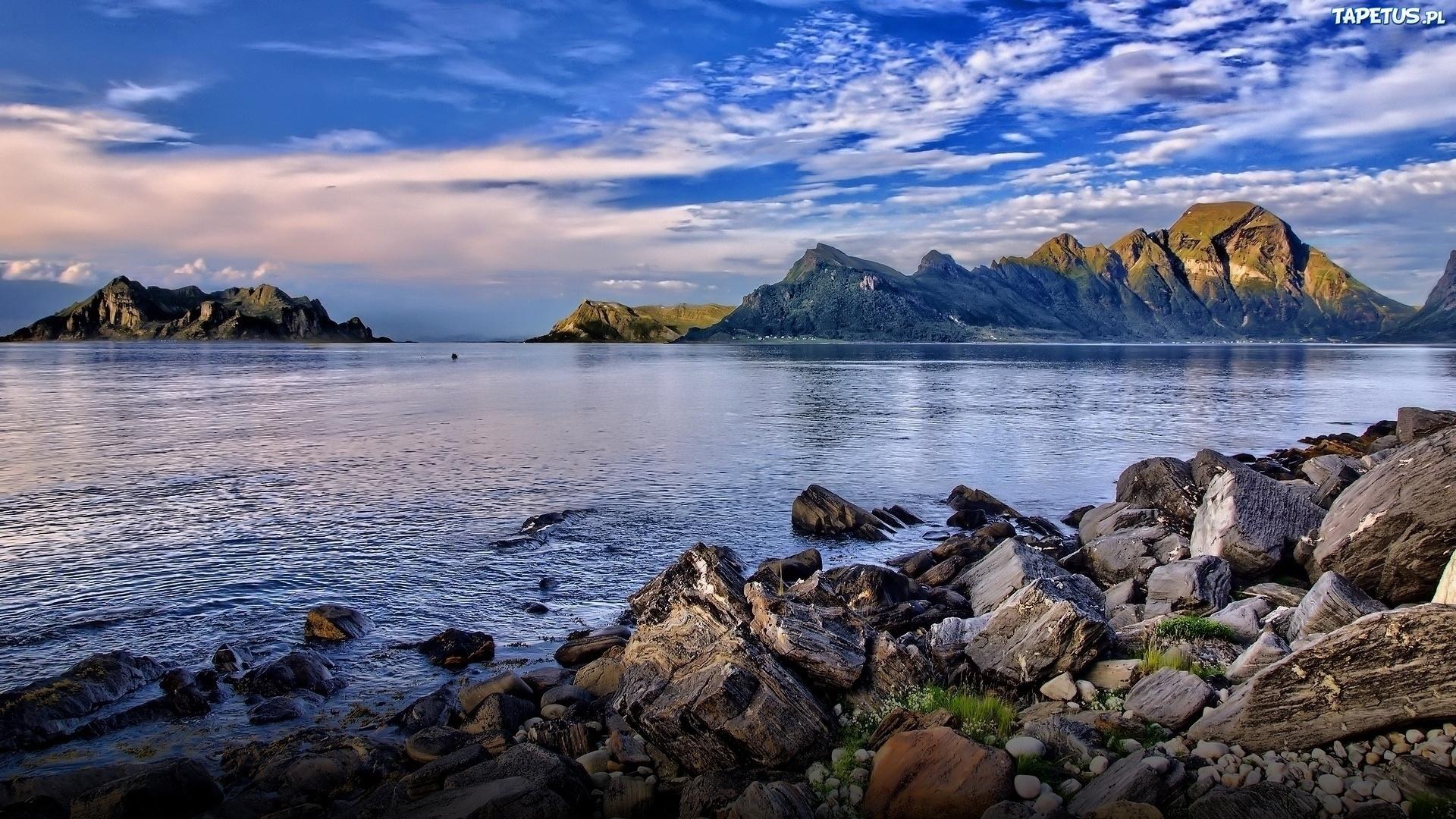 горы озеро берег mountains the lake shore бесплатно
