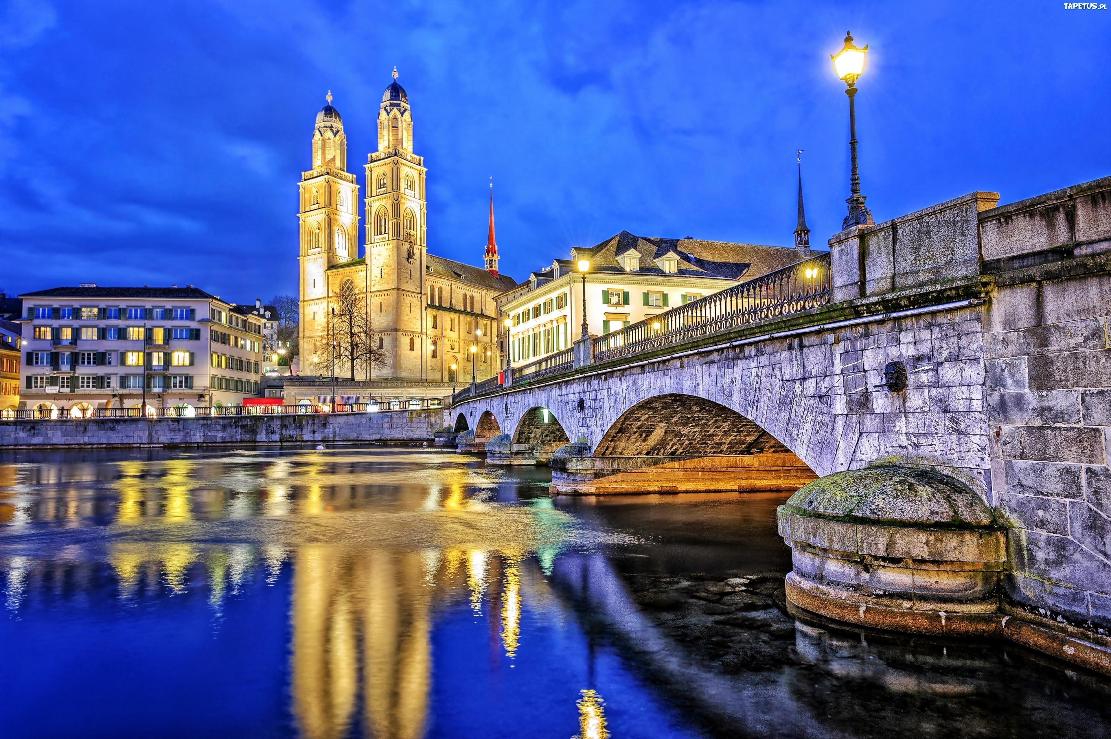 Rzeka Limmat, Most, Kościół Grossmunster, Zurych, Szwajcaria