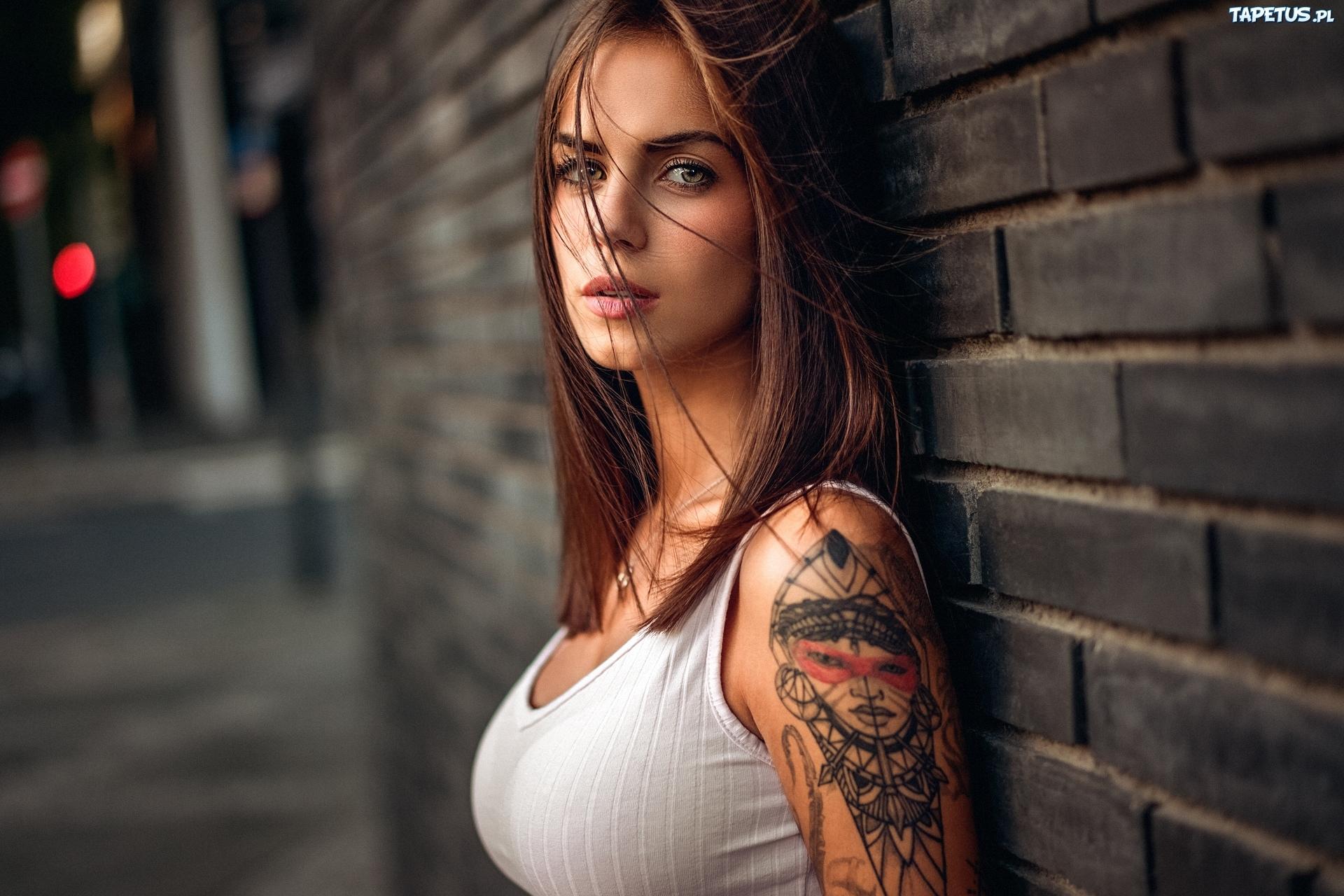 Kobieta Twarz Tatuaż