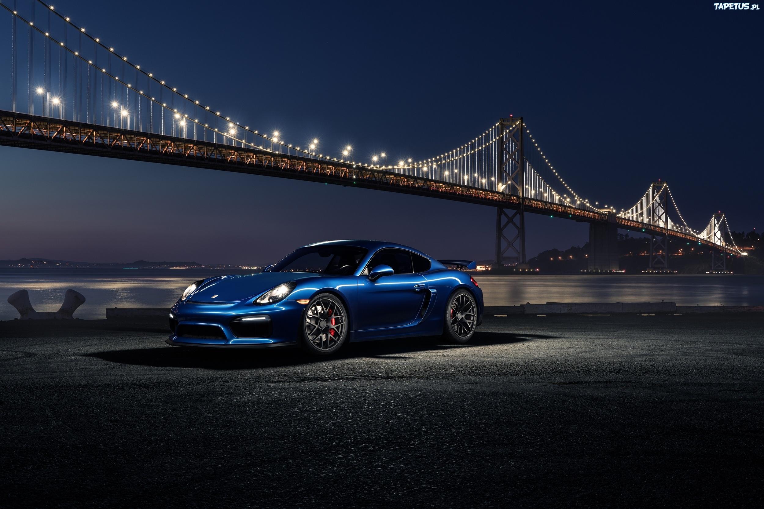 белая Porsche под мостом скачать